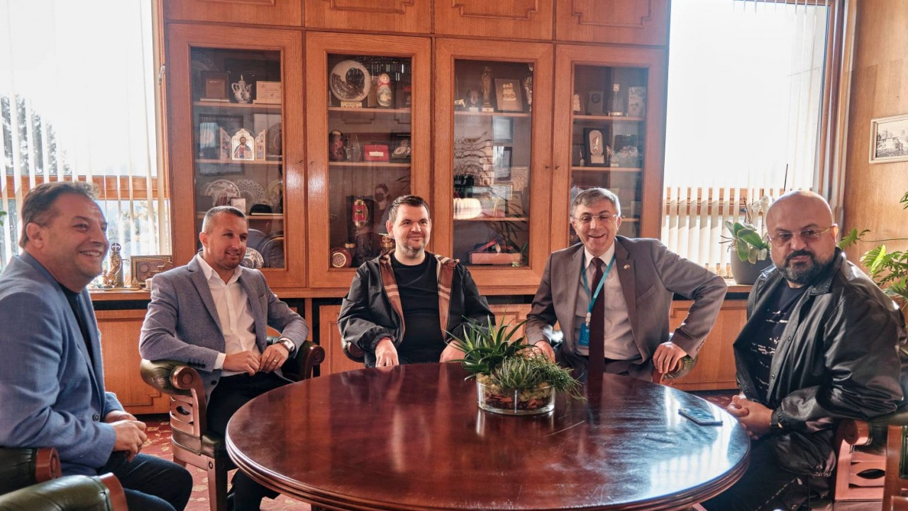 Пеевски и Карадайъ заедно при кмета на Велико Търново