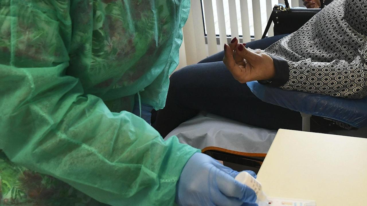 В Плевенско 13 лечебни заведения ще се правят безплатни бързи тестове