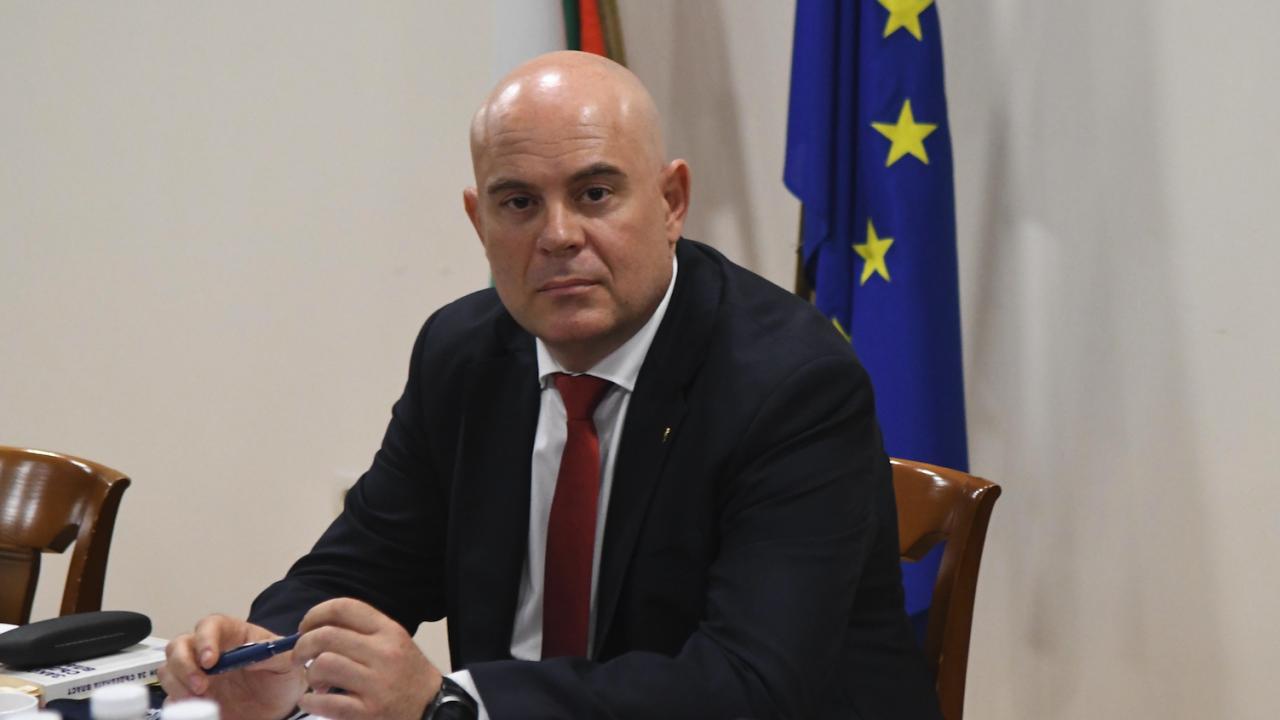 Гешев и ДАНС правят междуведомствено звено за предстоящите избори