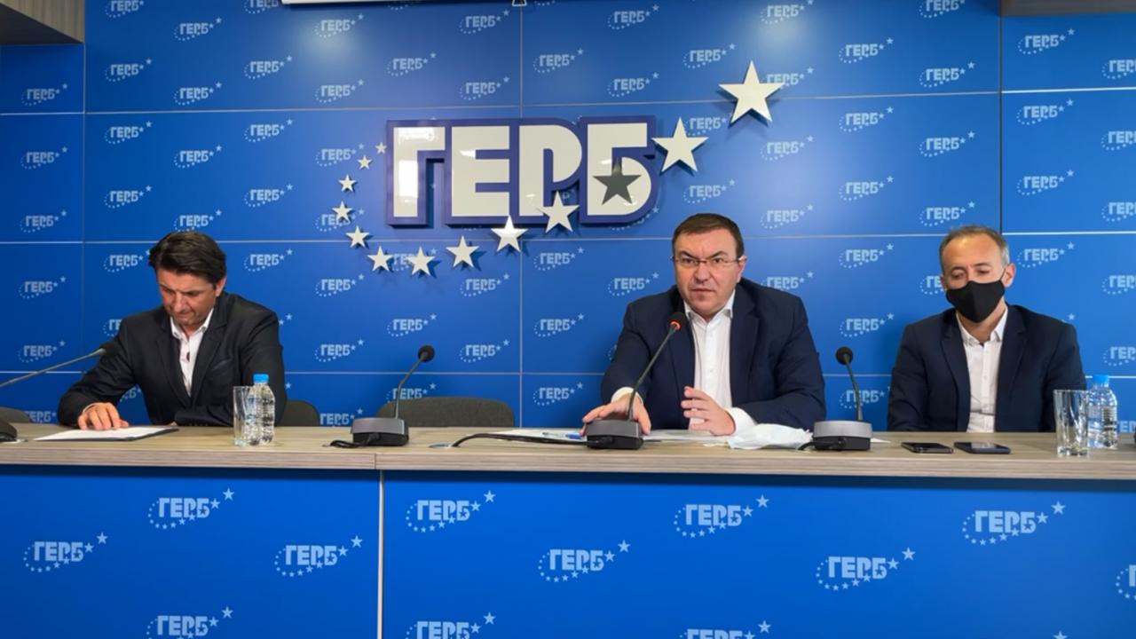 Проф. Ангелов: България си играе със зеления сертификат, ще сезираме ЕС