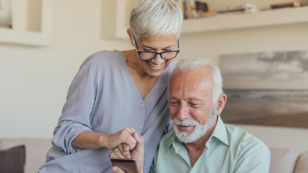 """Пощенска банка предлага иновативни пенсионно-осигурителни финансови решения на своите клиенти в партньорство с ПОК """"Доверие"""""""