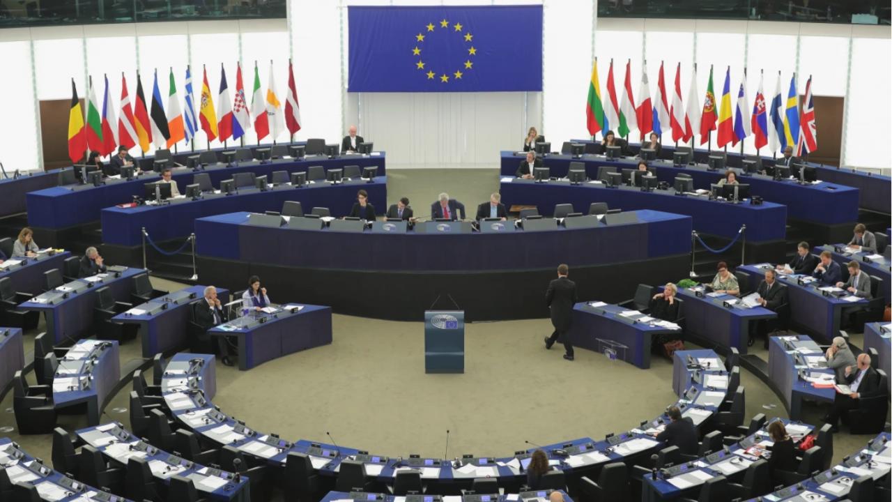 """Заради досиетата """"Пандора"""" - ЕП призовава за разследвания, ограничения и нови закони"""