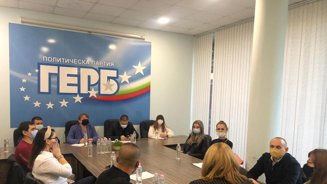Деница Сачева: Вече шест месеца виждаме какво бъдеще предлагат служебното правителство и другите партии