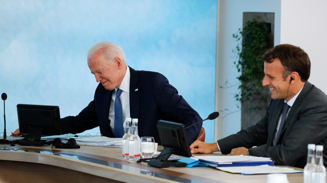 Байдън и Макрон обсъдиха европейската отбрана