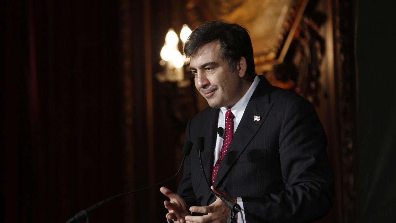Преляха кръв на обявилия гладна стачка бивш грузински президент Саакашвили