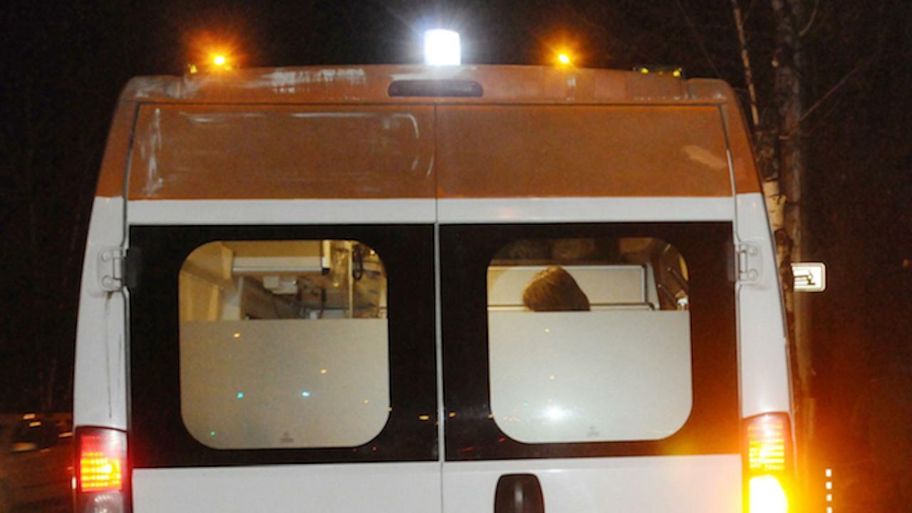 Линейки обикалят болници с часове в търсене на легла за COVID болни