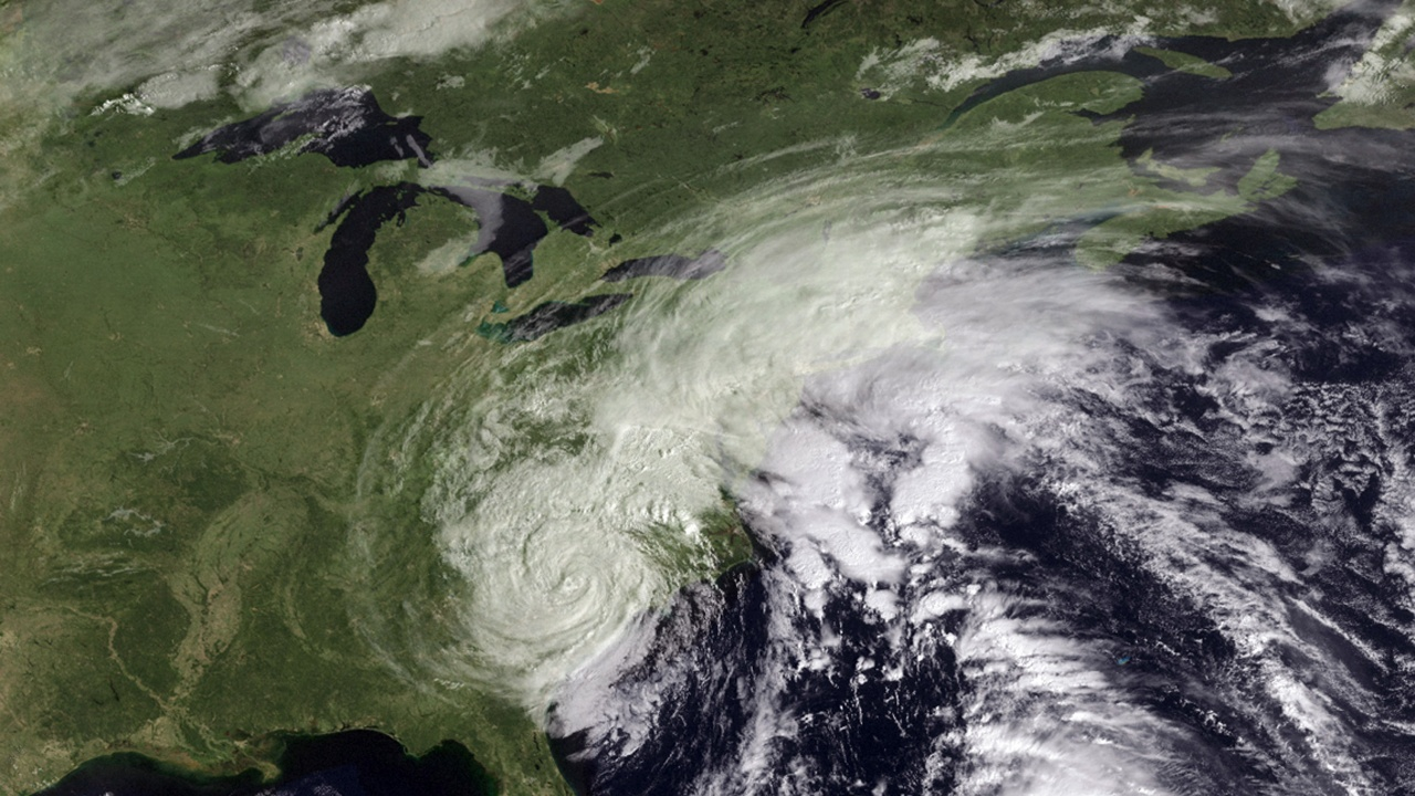 Тропическата буря Рик се засили до ураган до тихоокеанските брегове на Мексико