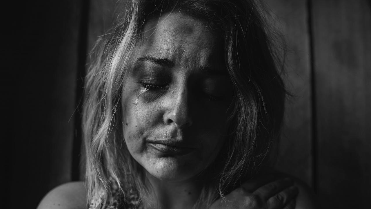 Сириец към гаджето си в София: Ще ѝ махна гърлото, ще ѝ счупя зъбите