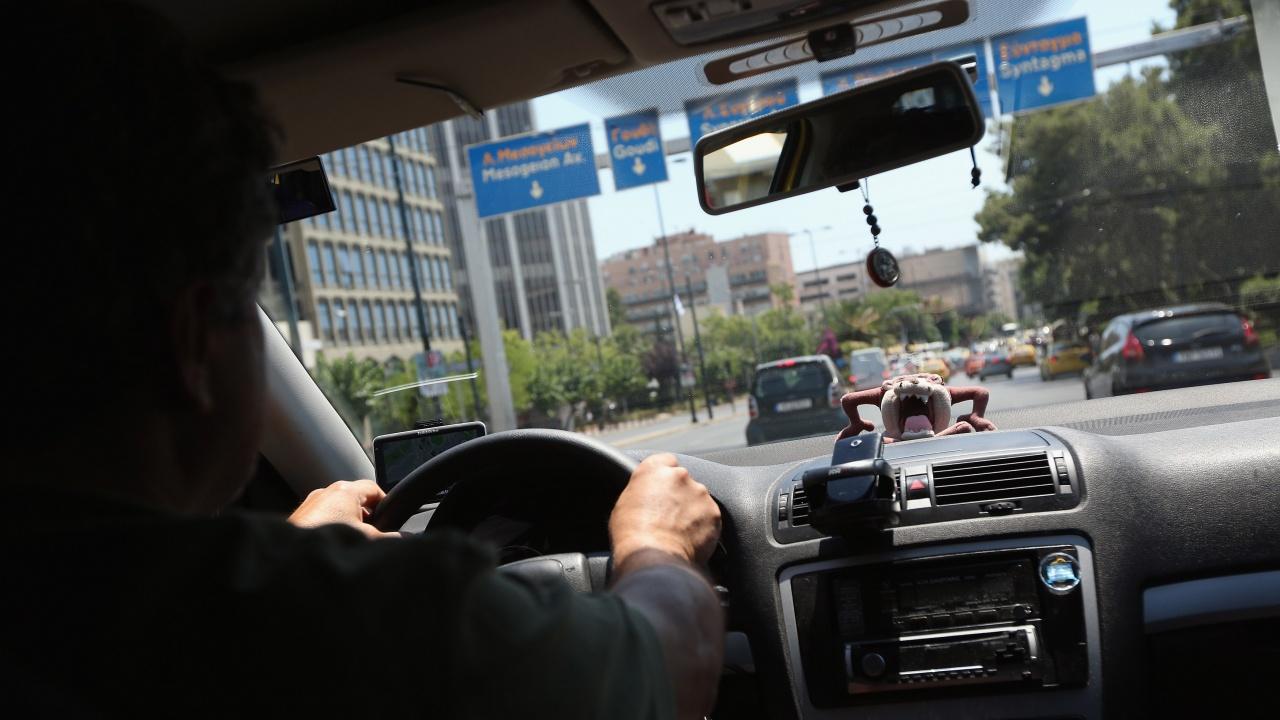 Атина въвежда ограничения за движението на автомобили
