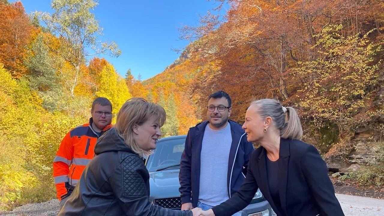 Каназирева: Изпълнихме дадената дума – до края на месеца пътят до Лилково и Ситово ще е готов