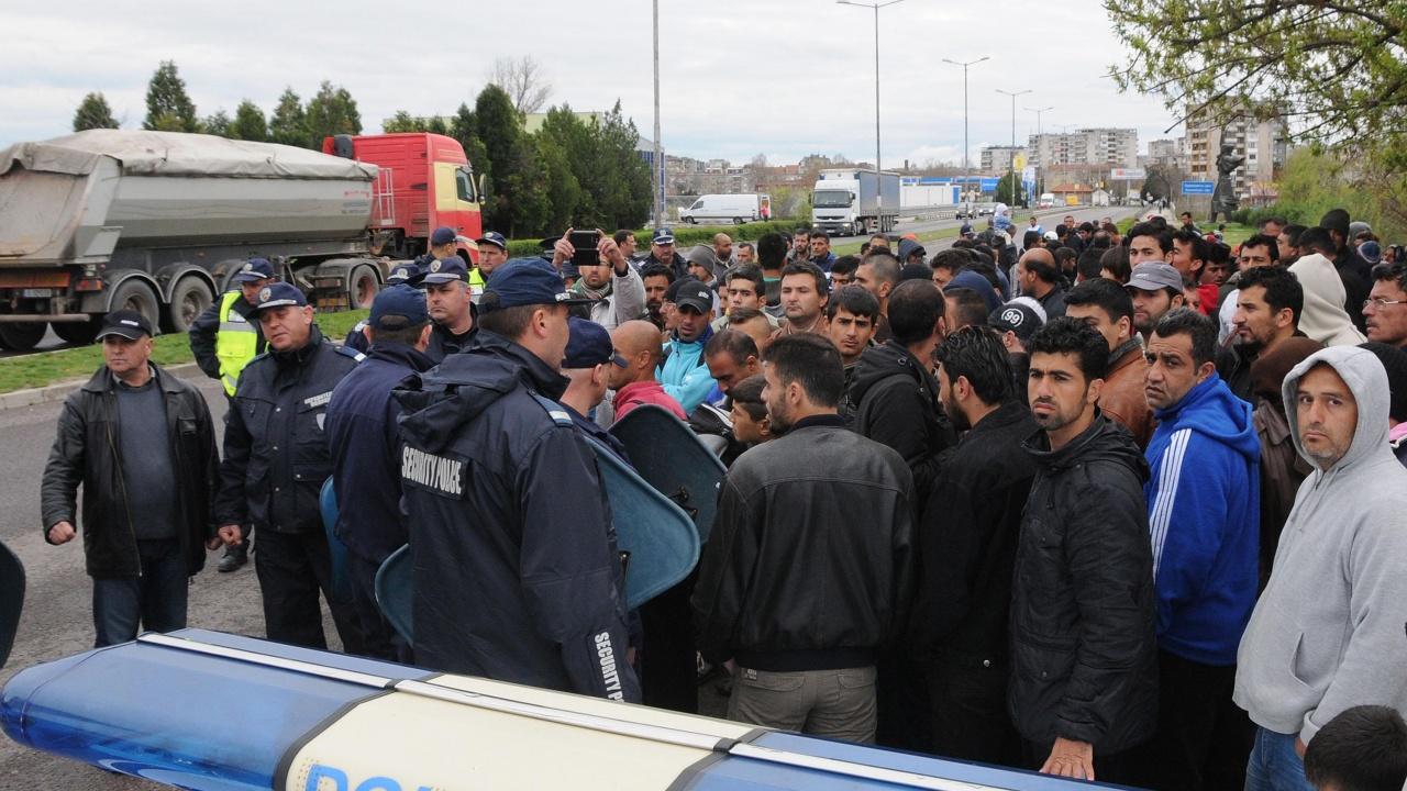 Ето колко мигранти има в трите центъра в област Хасково