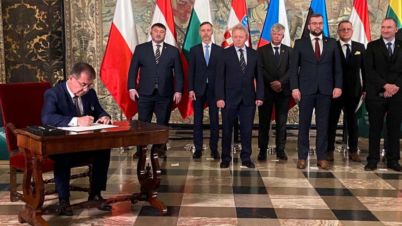 Министър Бозуков: България има потенциал за разрастване производството на растителен протеин