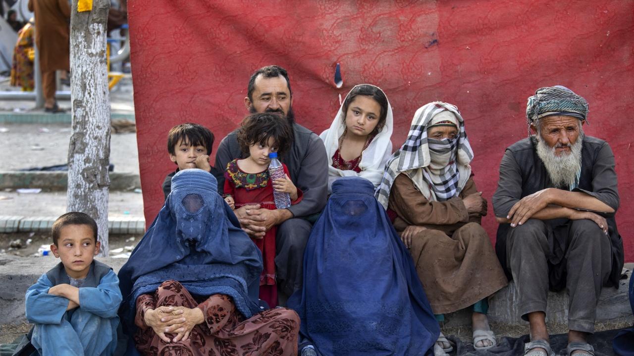 ООН: Над половината население на Афганистан е застрашено от глад тази зима