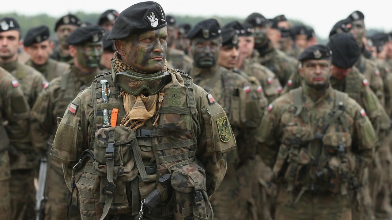 Полша разполага 10 000 войници по границата с Беларус