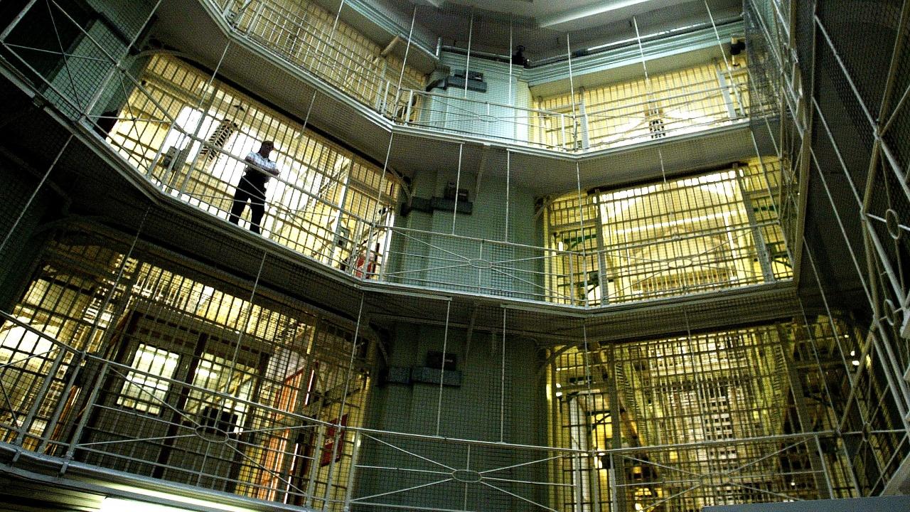 Служителите в затворите обявиха протестна готовност