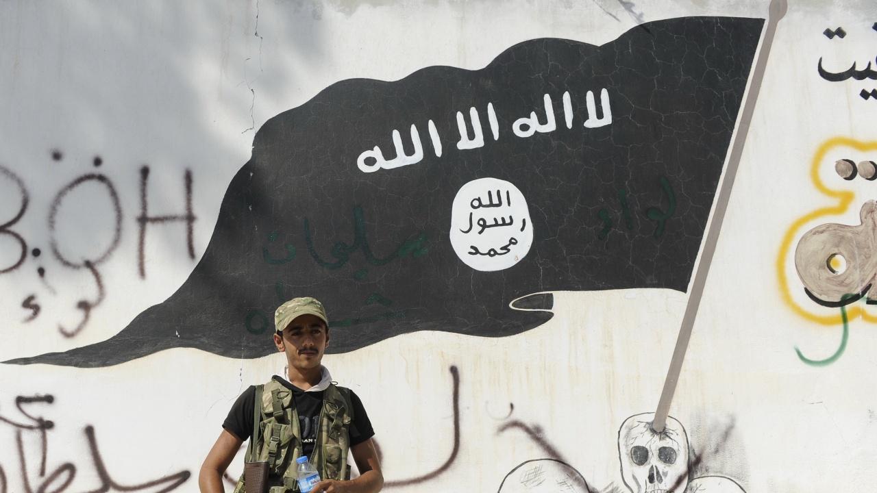 ИД плаща по 330 долара на всеки нов член на групировката в Афганистан