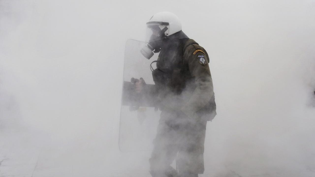 Полицаи убиха ром в Атина. Градът пламна