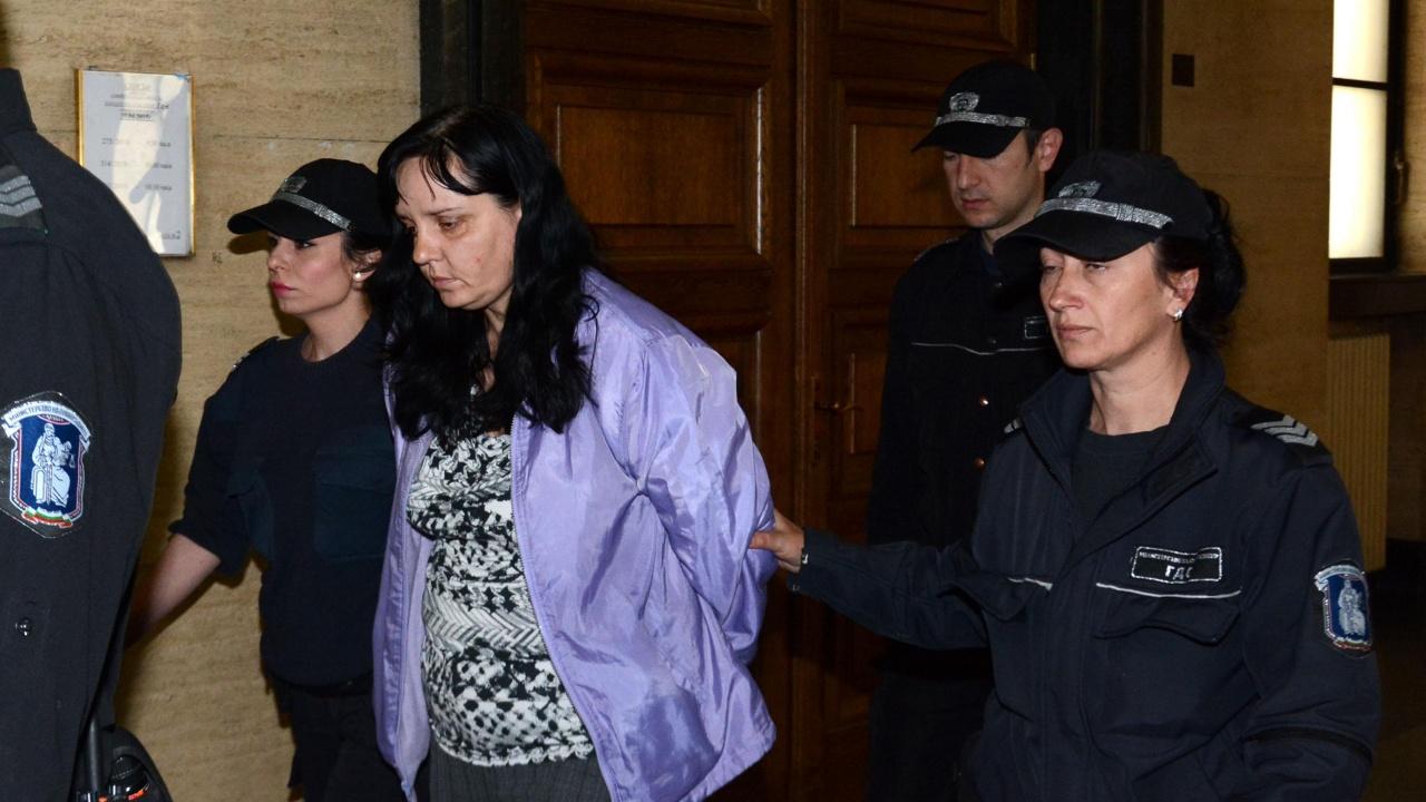 Акушерката Емилия Ковачева иска делото срещу нея да се върне за ново разглеждане или да получи по-лека присъда