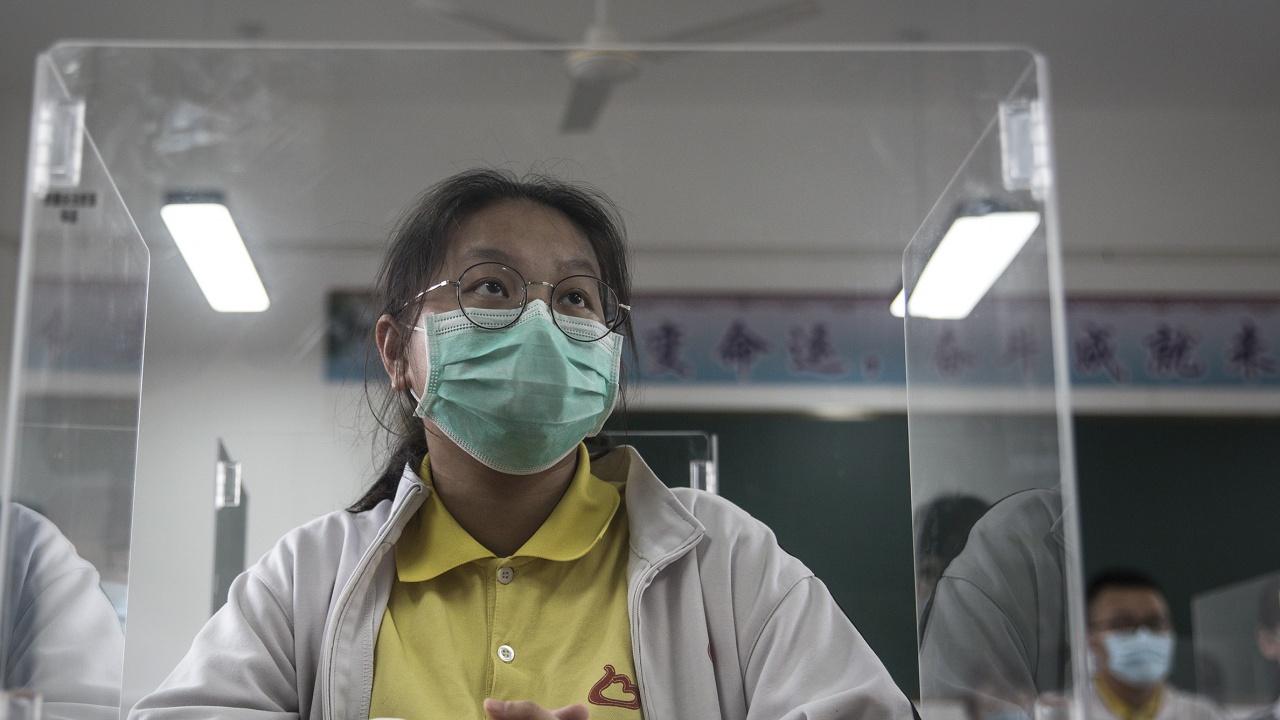 Затвориха над 3,7 милиона китайци заради 39 случая на  COVID-19