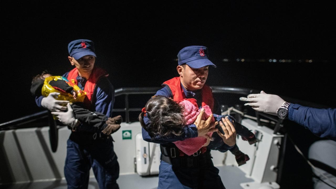 Гърция обвини Турция за смъртта на четири деца в Егейско море