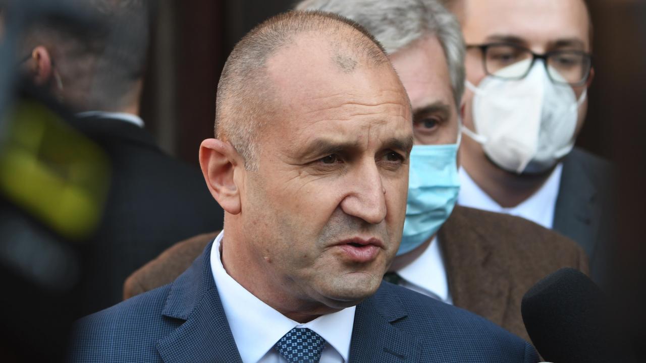 Радев ще се срещне с представители на организации на българите в РСМ и ще посети Бобов дол