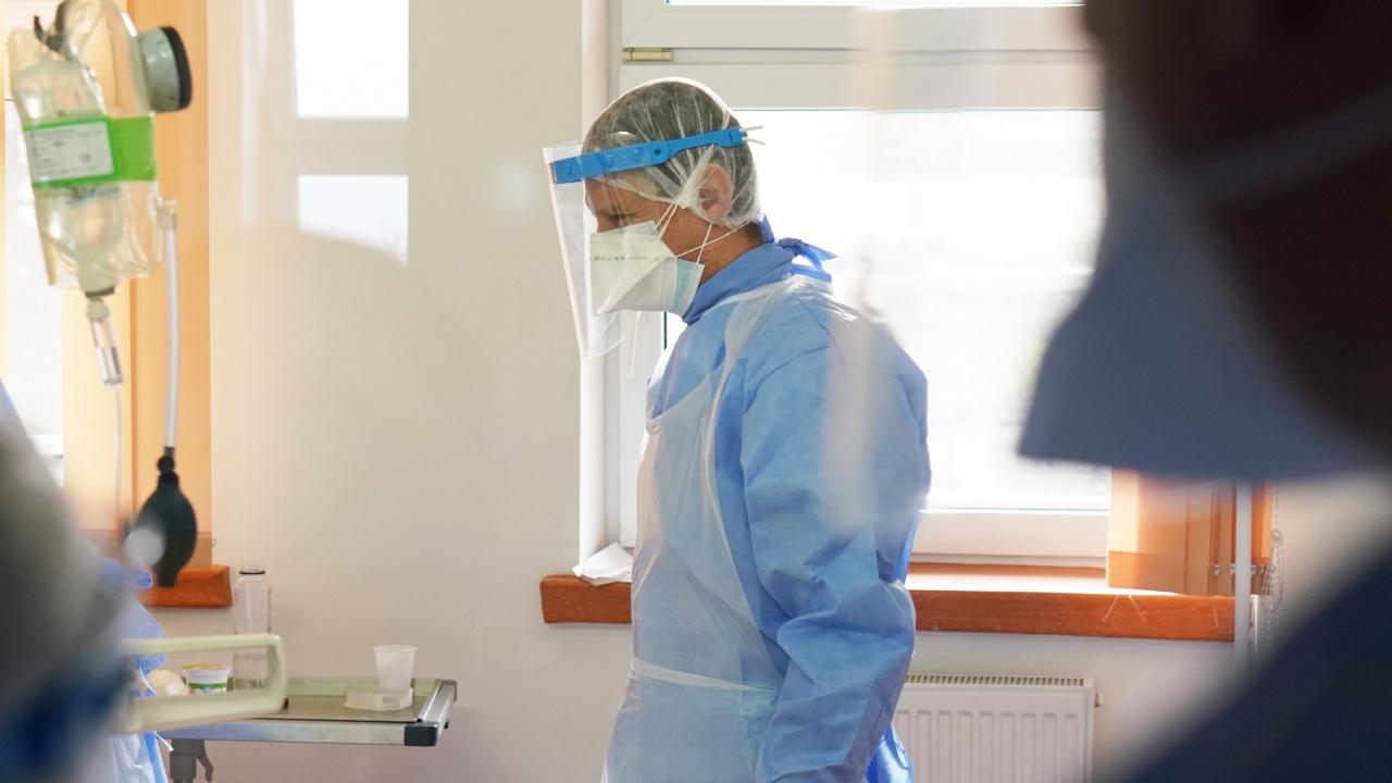 Ръст на заразените с коронавирус в Пловдивско, болничните легла се изчерпват