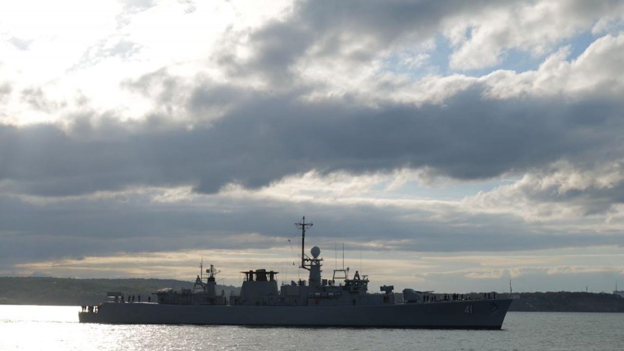 """Фрегатата """"Дръзки"""" участва в операция на НАТО в Средиземно море"""
