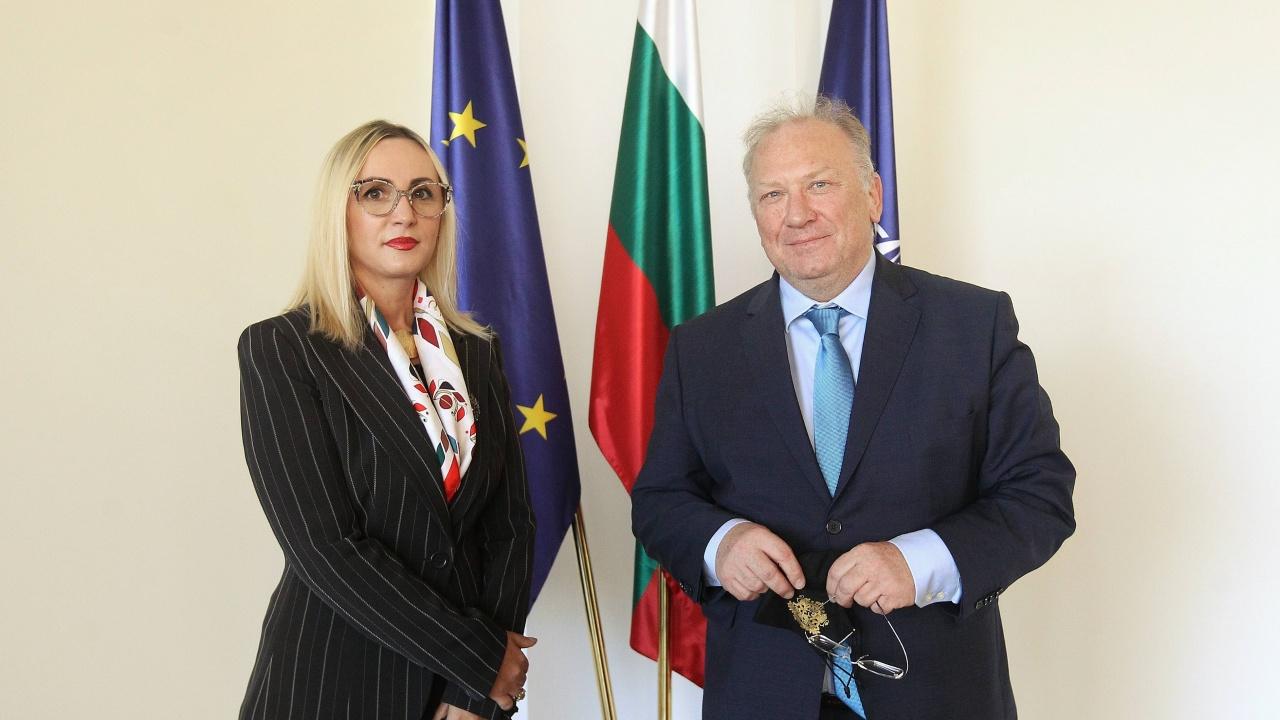 Светлан Стоев прие посланика на Албания Доника Ходжа