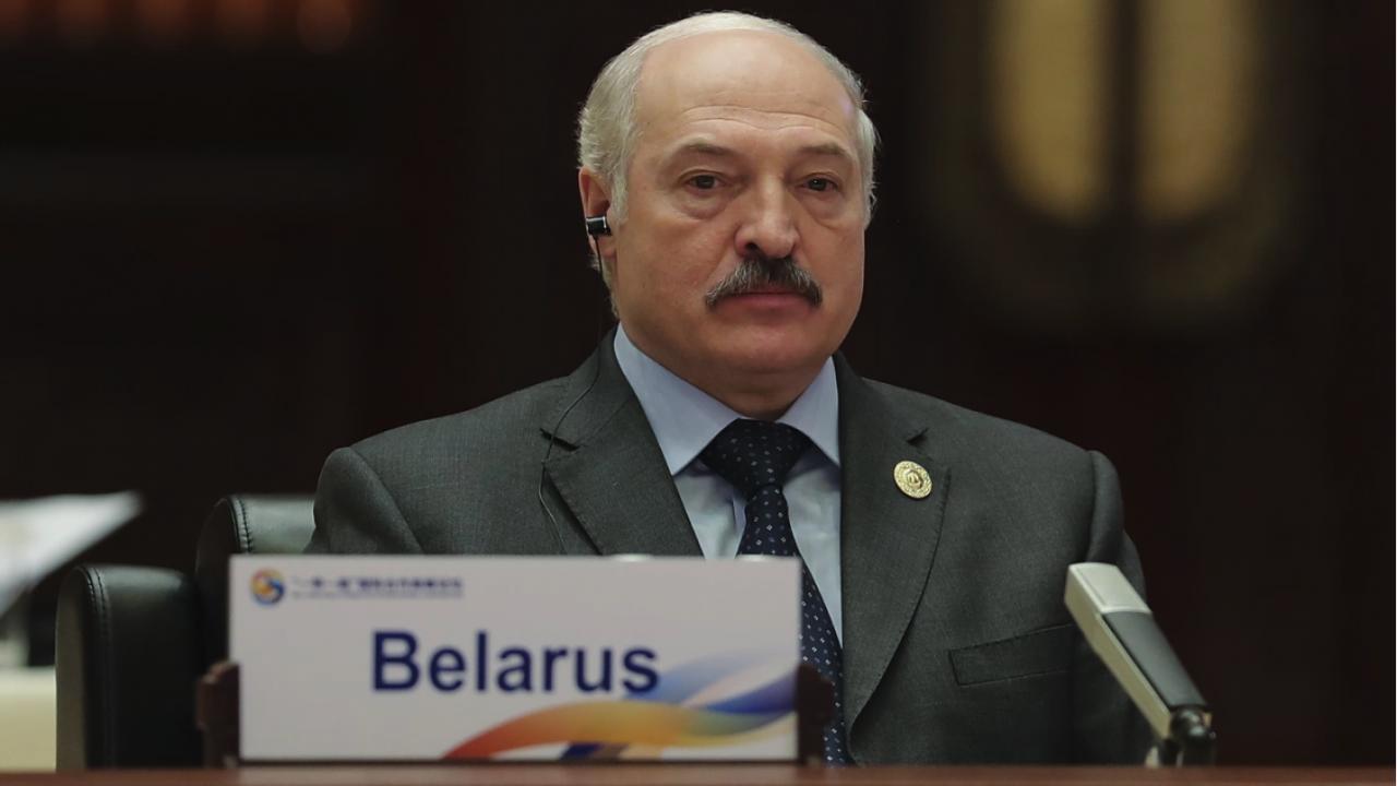Франция: Семейството на Лукашенко стои зад трафик на мигранти