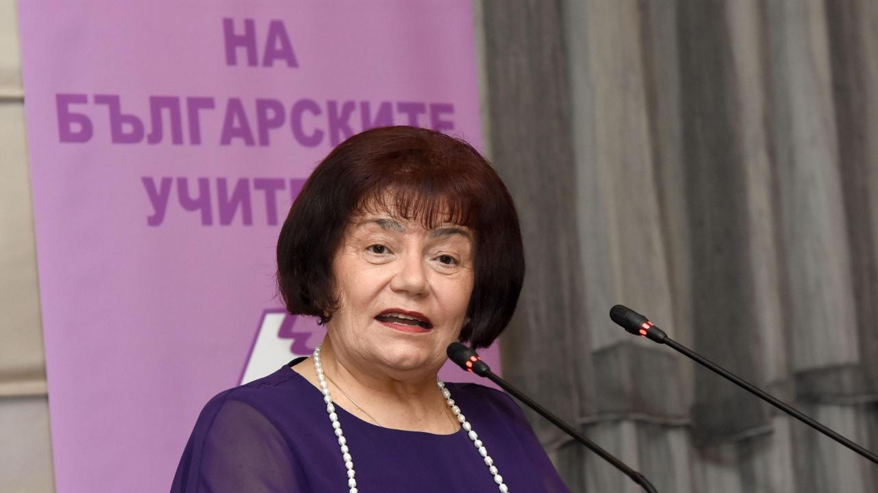 Янка Такева: Беше грешка затварянето на училищата за децата от 1 до 4 клас