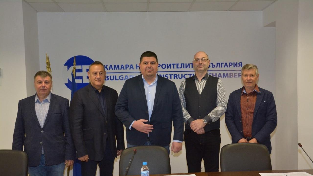 """""""Демократична България"""" ще си партнира със строителната камара по важните за строителния отрасъл теми"""