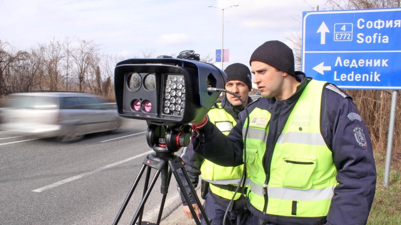 952 250 електронни фиша за скорост са изпратили на българските шофьори от КАТ