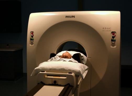 Трябва ли да има наказания, заради забравената за шест часа пациентка в скенер?