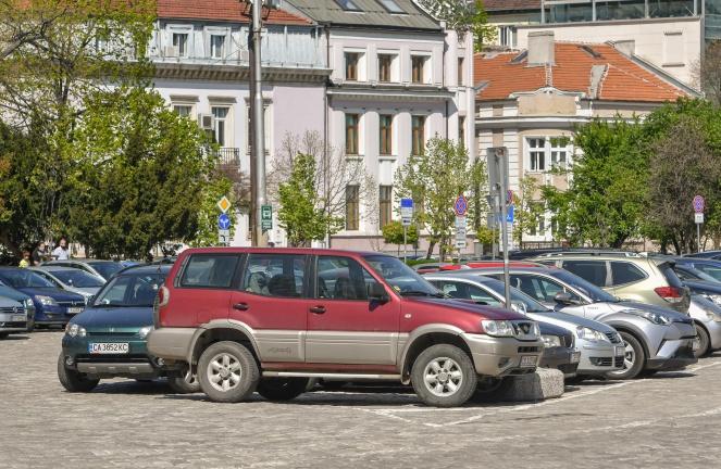 Защо българите карат най-старите коли в Европа?