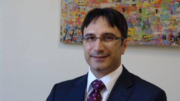 """Трайков: КЗК да каже дали """"Лукойл"""" е монополист"""