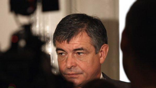 Стефан Софиянски: Управляващите си заживяха с кризата