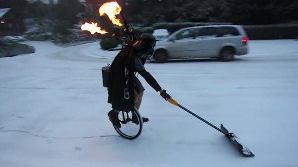 Дарт Вейдър почисти улицата от снега по уникален начин