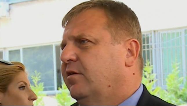 Каракачанов нареди разследване на инцидента на авиобаза Крумово