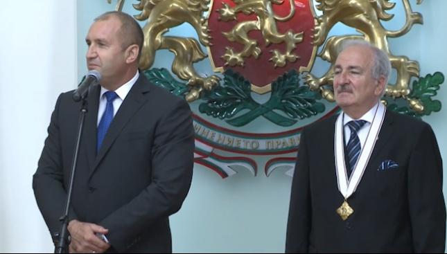 Румен Радев награди с орден посланика на Украйна