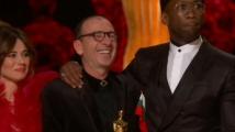 Актьорът Димитър Маринов развя българския флаг от сцената на Оскарите