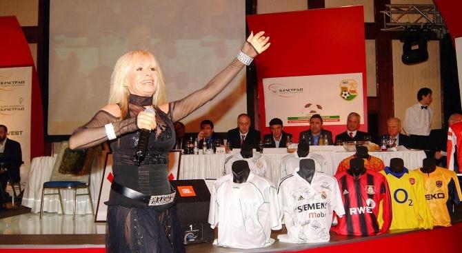 Лили Иванова: Моите фенове поддържат формата ми