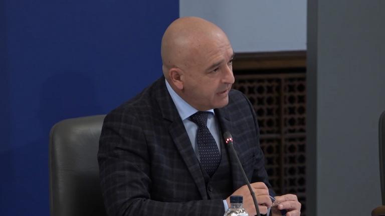 Ген: Мутафчийски с предупреждение за следващата седмица и апел да не се отпускаме
