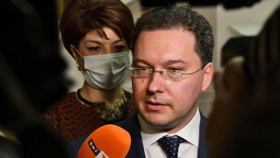 Даниел Митов видя как Божков добива позиции в администрацията чрез президента