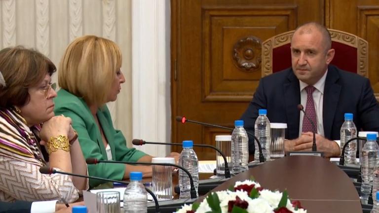 """""""Изправи се БГ! Ние идваме!""""към Радев: Ще подкрепим правителство, ако в него не са ГЕРБ и ДПС"""