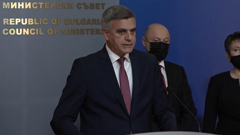Янев отговори на критиките за зеления сертификат