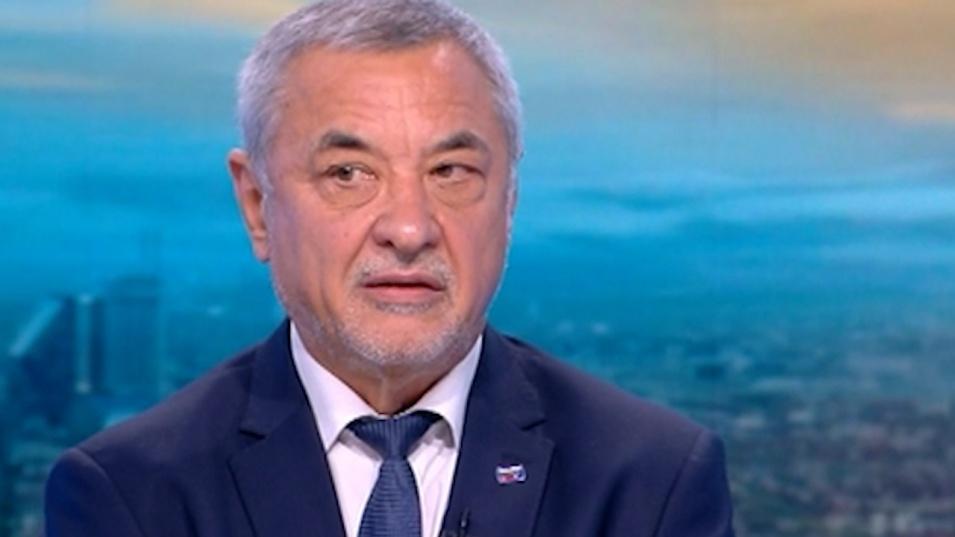 Валери Симеонов: Зеленият сертификат беше въведен дърводелски